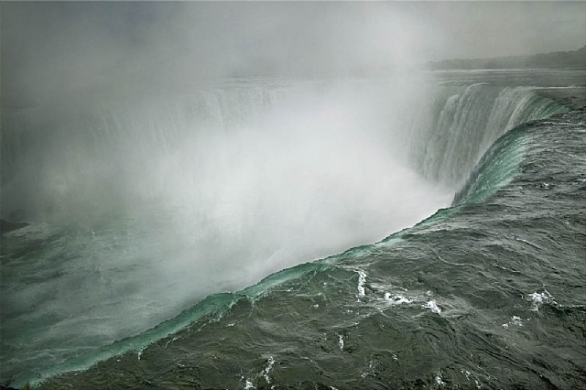 Annie Leibovitz  Niagara Falls, Ontario, Canada, 2009  Archival Pigment ink print  Edition number 18 of 25  24.375 x 35.25 inches  Signed, dated, titled, and editioned on artist label